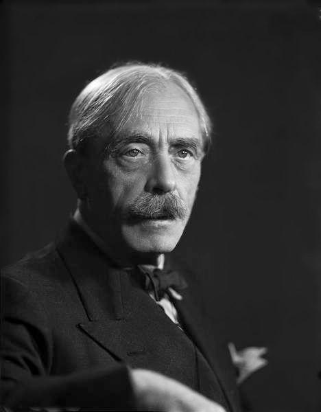 Paul Valéry photographié par le Studio Harcourt vers 1938