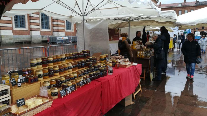 Avec 165 000 ruches et 1890 tonnes de miel produites chaque année, l'Occitanie est la première région apicole de France