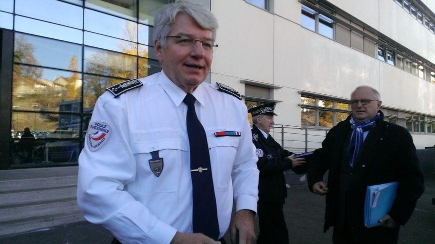 Le patron de la police nationale limoges ville - Grille indiciaire commissaire de police ...