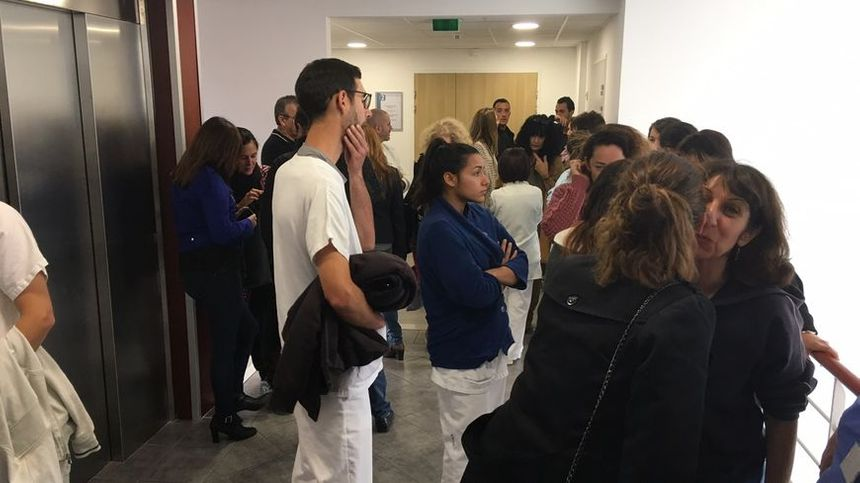 Le personnel CGT du centre hospitalier de Bastia a retenu un temps les cadres administratifs.