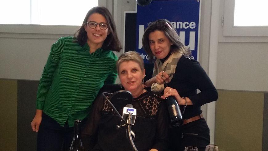 Nadine Gauthier entourée de Anne Dela neau et Christelle Betton