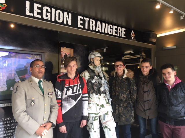 Le Sergent-chef Maulay Lamini a trouvé à qui parler. - Radio France