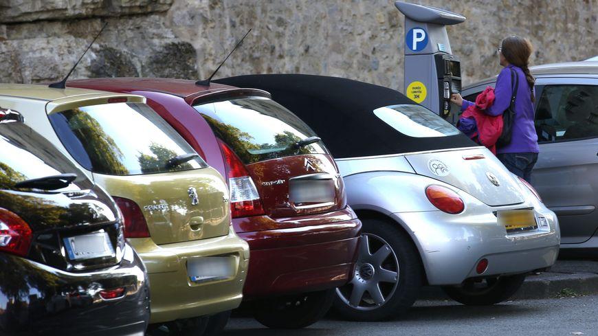 A partir du 1er janvier, les communes prennent en charge le stationnement payant