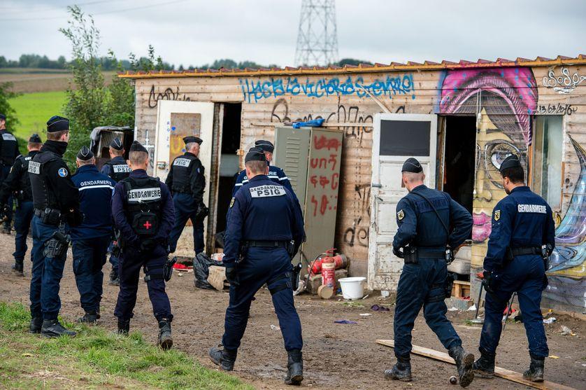 Démantèlement du camp de Norrent Fontes (Pas de Calais) le 18 septembre 2017