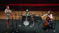 Improvisation du Trio Isabelle Duthoit, Soizic Lebrat, Yuko Oshima