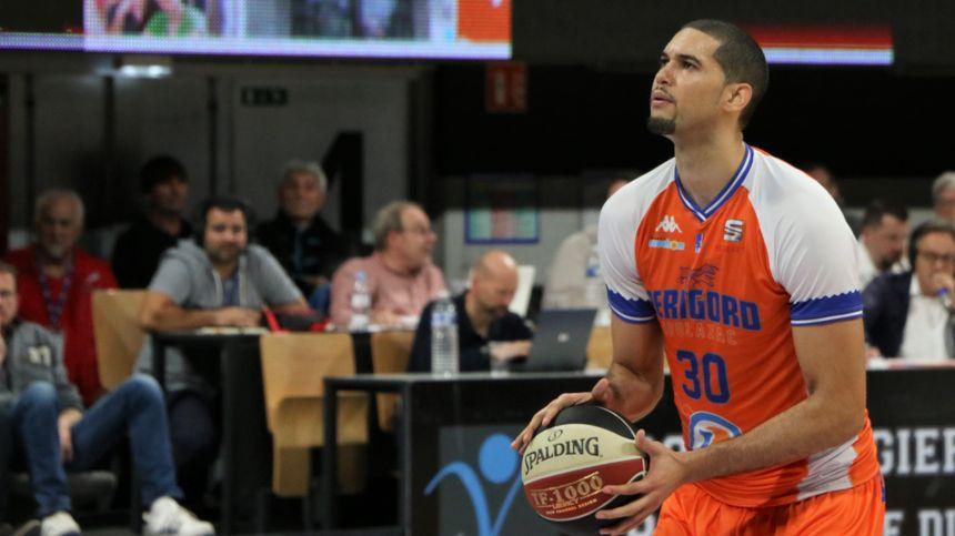 Boulazac Basket Dordogne au lancé franc
