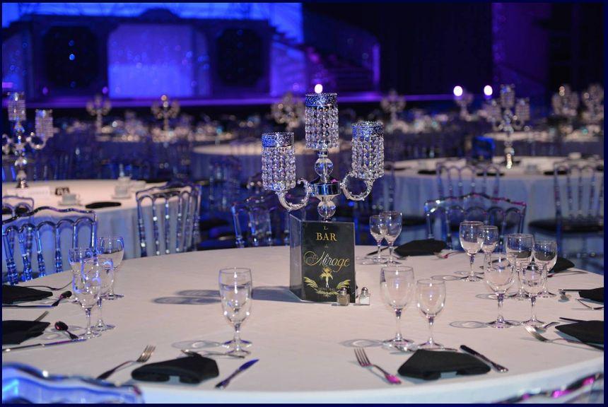 Le Mirage à Mézos vous accueille pour des déjeuners et des dîners spectacles.