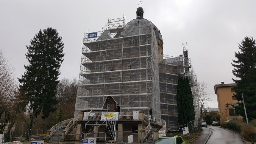 L'extérieur de la basilique est toujours en travaux. 400 000 euros sont encore nécessaires.