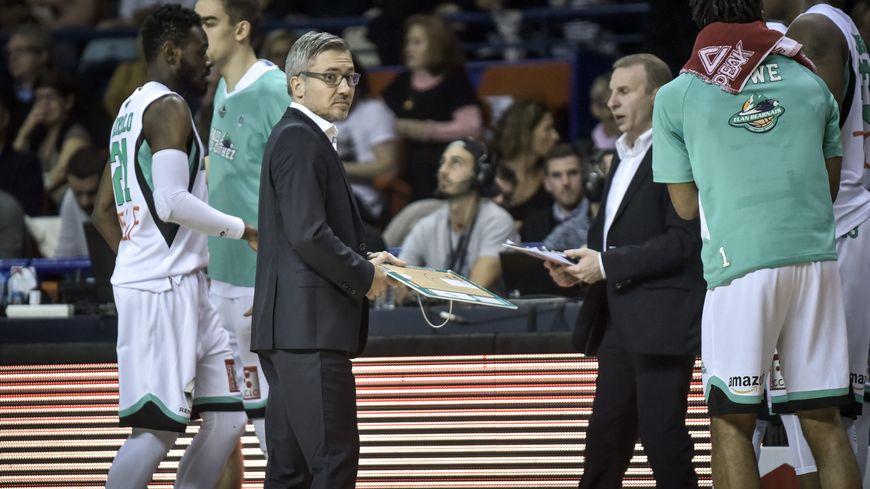 L'Elan Béarnais et son coach Serge Crèvecoeur n'ont jamais trouvé la faille.