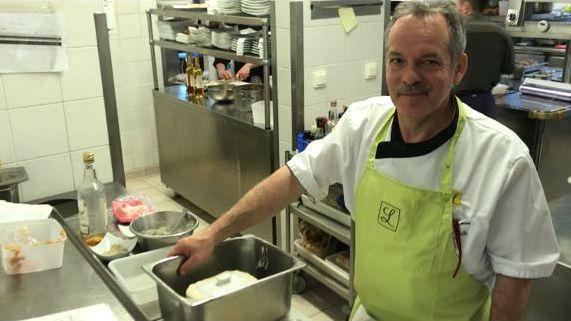 Pierre Corre conseille de manger sa terrine de foie gras avec du pain aux noix