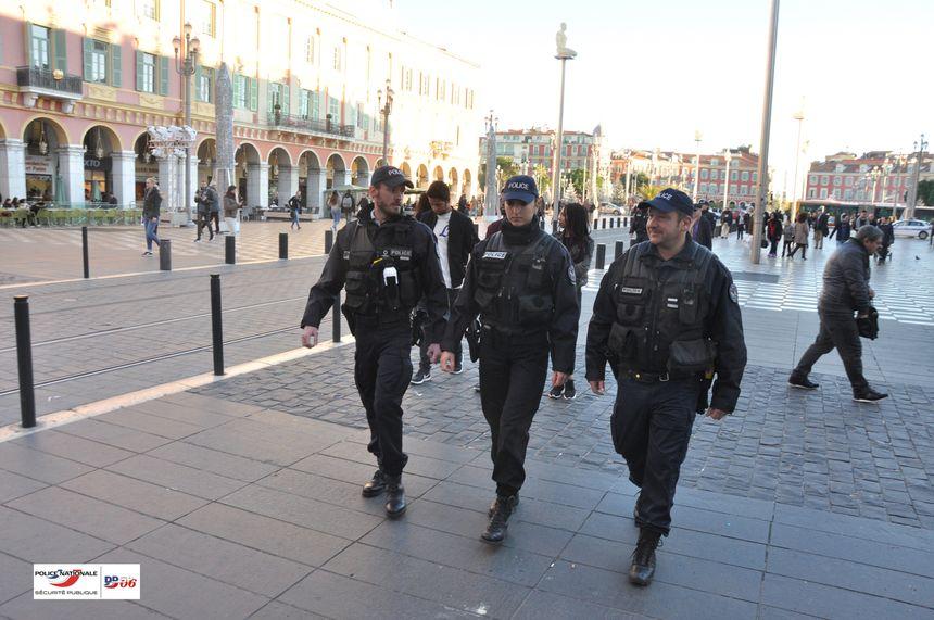 L'unité de sécurisation des transports en commun de la police à Nice