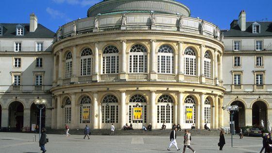L'Opéra de Rennes, actuellement dirigé par Alain Surrans, président du syndicat professionnel Les Forces Musicales
