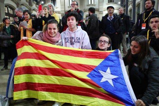 Joie des militants indépendantistes catalans, hier, à Barcelone