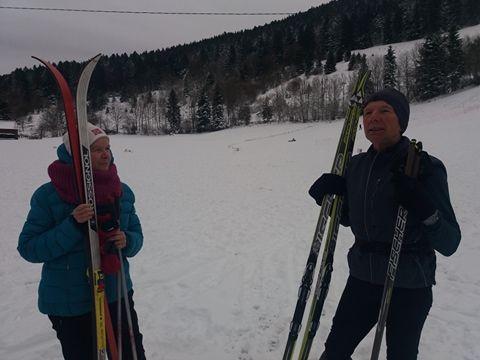 Monique et Michel viennent tâter la neige des Truches en ski de fond !