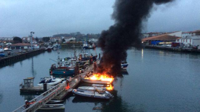 Le feu ne s'est pas propagé aux autres bateaux