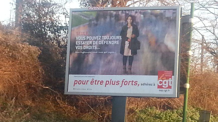 L'une des affiches de promotion de la CGT déployée à la périphérie de Limoges