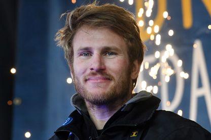 François Gabart à son arrivée à Brest le 17 décembre après un tour du monde en solitaire, en 42 jours, 16 heures, 40 minutes et 35 secondes