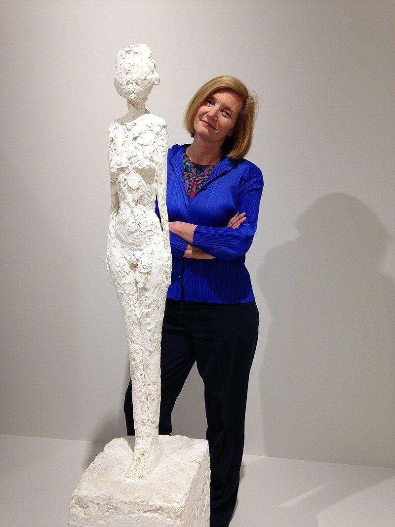 Portrait de Catherine Grenier lors de l'ouverture de l'exposition Alberto Giacometti à Landerneau (juin 2015)