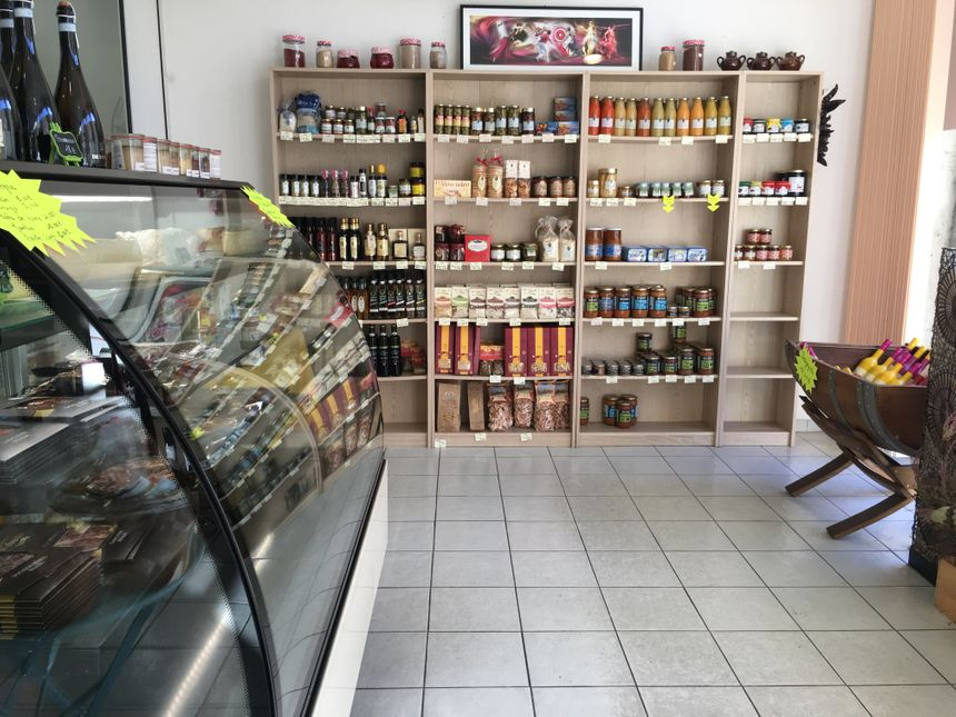 Les différents produits de l'épicerie Au Pré des Saveurs