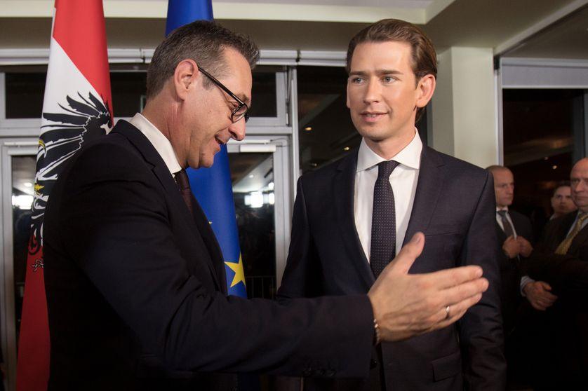 Le dirigeant du FPÖ, Heinz-Christian Strache, avec le jeune conservateur Sebastian Kurz.