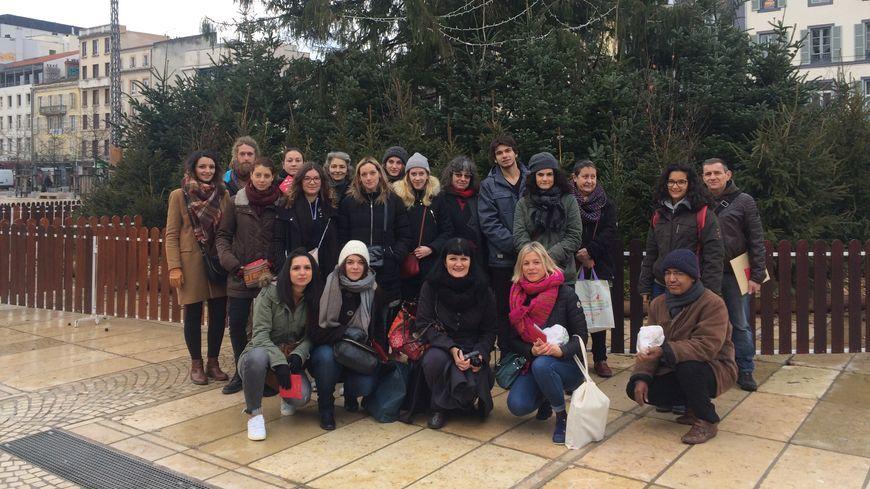 L'équipe de bénévoles qui a offert des cadeaux aux sans-abris clermontois ce samedi 23 décembre