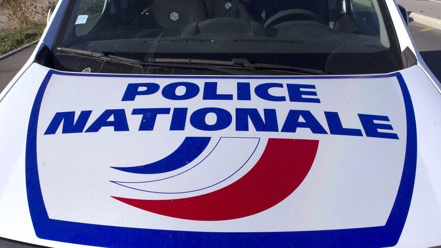 Seize bonbonnes de gaz ont été retrouvées cette nuit dans un véhicule à proximité d'une église. Une fausse alerte, elles étaient vides.