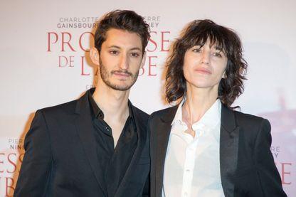 Charlotte Gainsbourg et Pierre Niney en décembre 2017 au Gaumont Capucines lors de la sortie de La Promesse de l'aube
