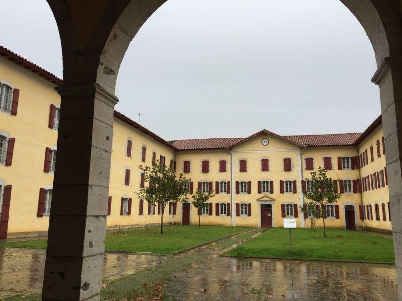 Le séminaire de Larressore transformé en logements du studio au T4.