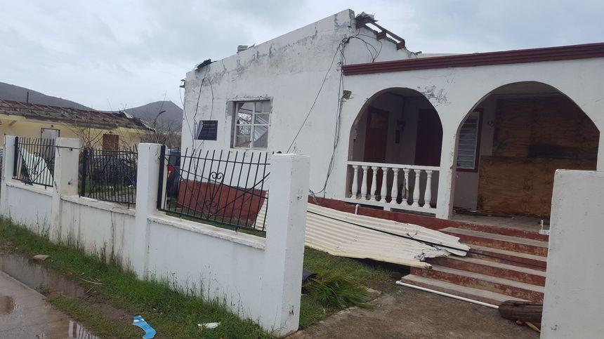 La vieille maison de famille transformée en bureaux par Lyndon Lewis n'a pas résisté à l'ouragan