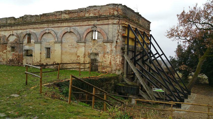 La mairie a déboursé 30.000 euros pour des travaux de fortification. Ce mur menaçait de s'effondrer à cause de la fissure.