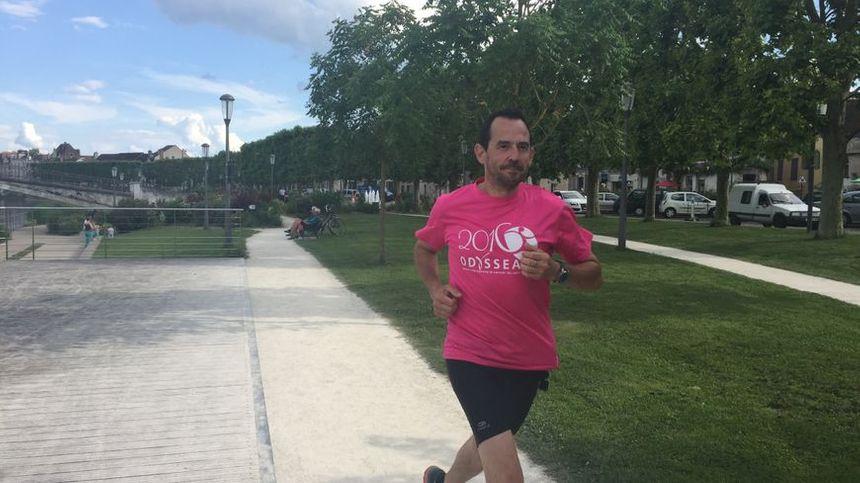 L'été dernier, Frédéric Iturralde bouclait son défi de courir plusieurs fois par semaine pour sensibiliser à la lutte contre le cancer du sein. Au final : 1 000 € pour 1 000 km parcourus.