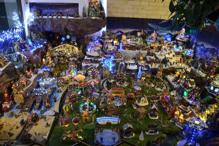 Le village de Noël à l'intérieur du 31 rue de la Poirée à Draveil