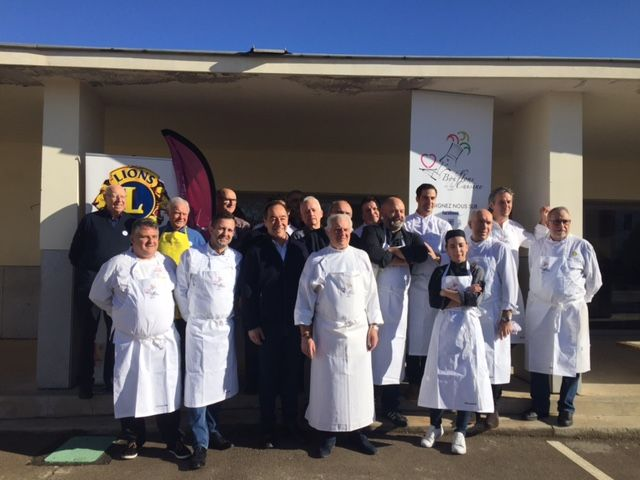 Tous les cuisiniers qui ont participé à cette opération solidaire