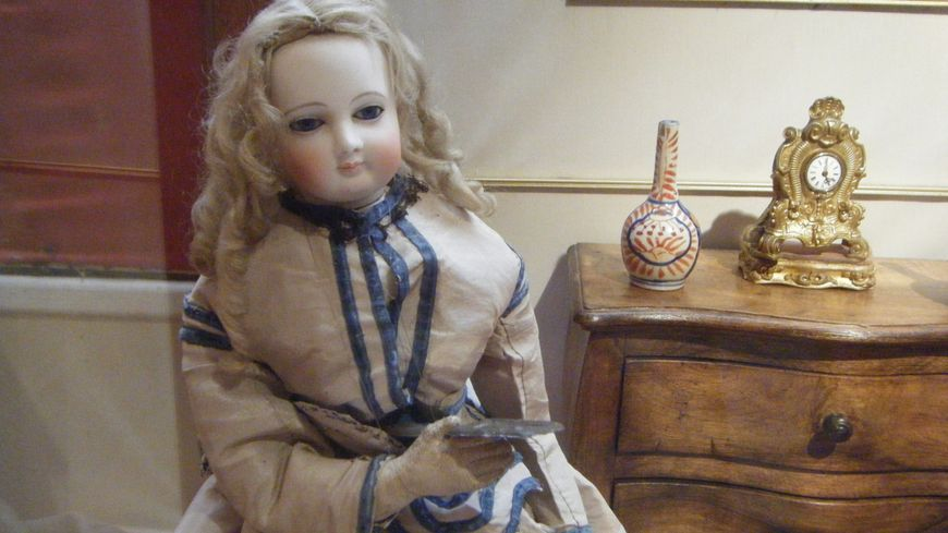 Le musée retrace la mode féminine et enfantine du XIXème et du début du XXème siècle.