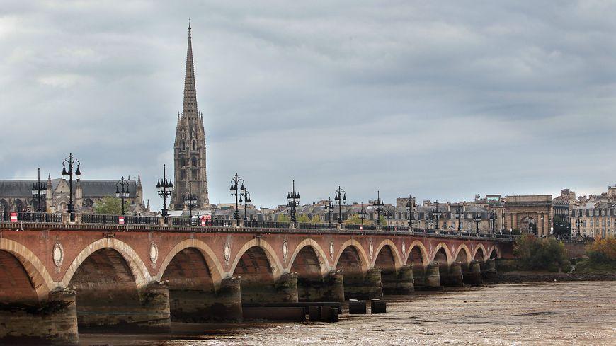 Bordeaux compte désormais 249 712 habitants.
