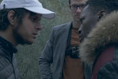 Dans Caïd, les comédiens amateurs de la cité phocéenne racontent leur vie à Marseille. Un label vérité.