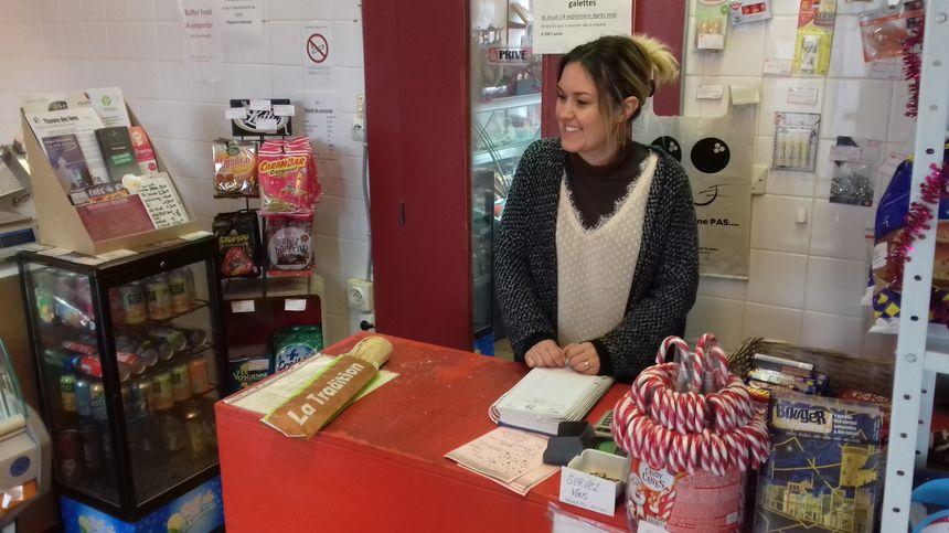 Émilie propose un dépôt de pain dans son épicerie