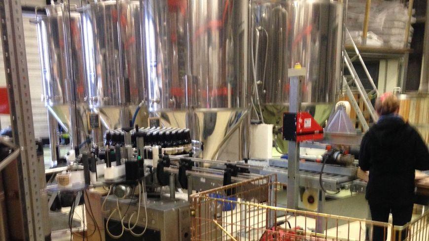Les bières de la brasserie Gasconha sont produites à Pessac, dans la zone artisanale du Haut Lévêque. La brasserie devrait déménager en 2018 pour des locaux plus grands situés à quelques dizaines de mètres à peine.