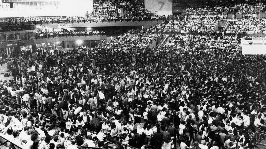 Le public de Meriadeck, lors du concert de Johnny Clegg en 1988.