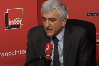 Hervé Morin au micro de Pierre Weill