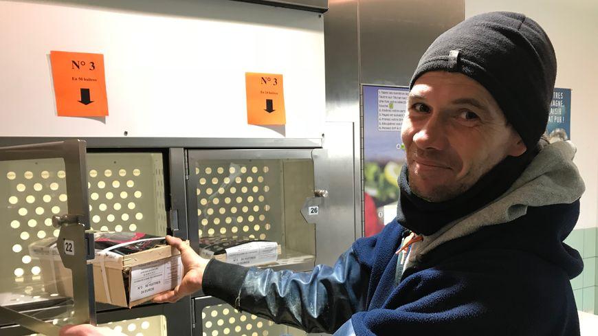 David Batard et son distributeur d'huîtres