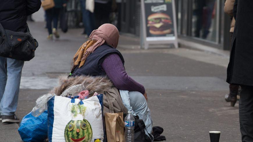 Des sans-abri de 30 villes en France vont recevoir des cadeaux de noël grâce à un site internet