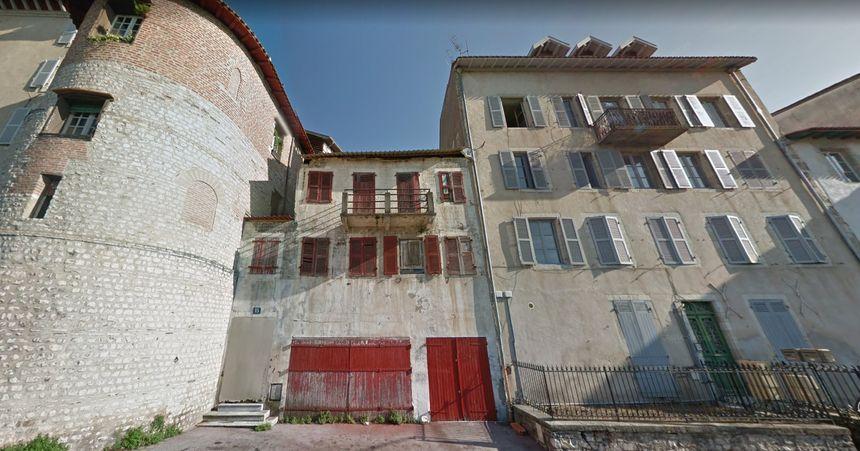 C'est ce bâtiment qui a été touché par l'incendie (capture d'écran Google Map)