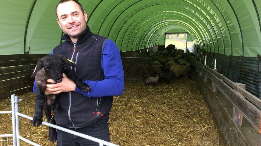 Sébastien, agriculture de la Haute-Vienne, a participé à la saison 12 de L'amour est dans le Pré, diffusée l'été dernier