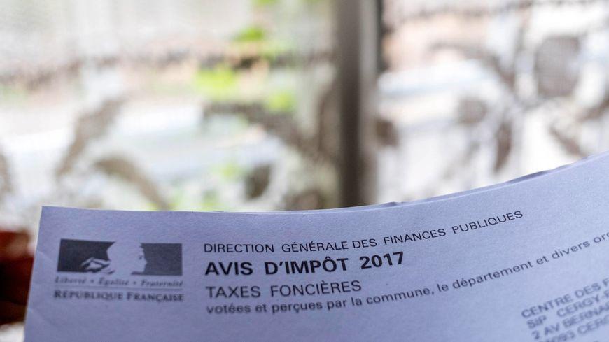 Le département a décidé d'augmenter la taxe foncière dans les Deux-Sèvres pour compenser la baisse de dotations de l'Etat.