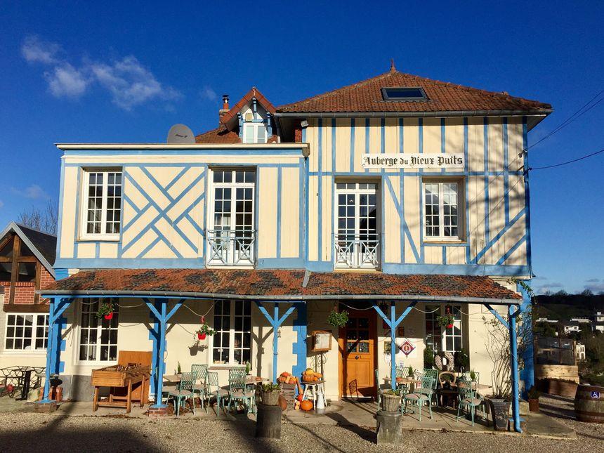 Et le restaurant de l'Auberge du Vieux Puits est ouvert le 24 décembre au soir et le 25 à midi.