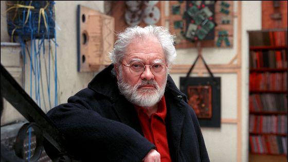 """Pierre Henry dans sa """"Maison des sons"""", en 2002."""