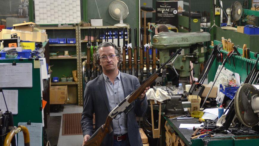 Guillaume Verney Carron le PDG dans l'atelier