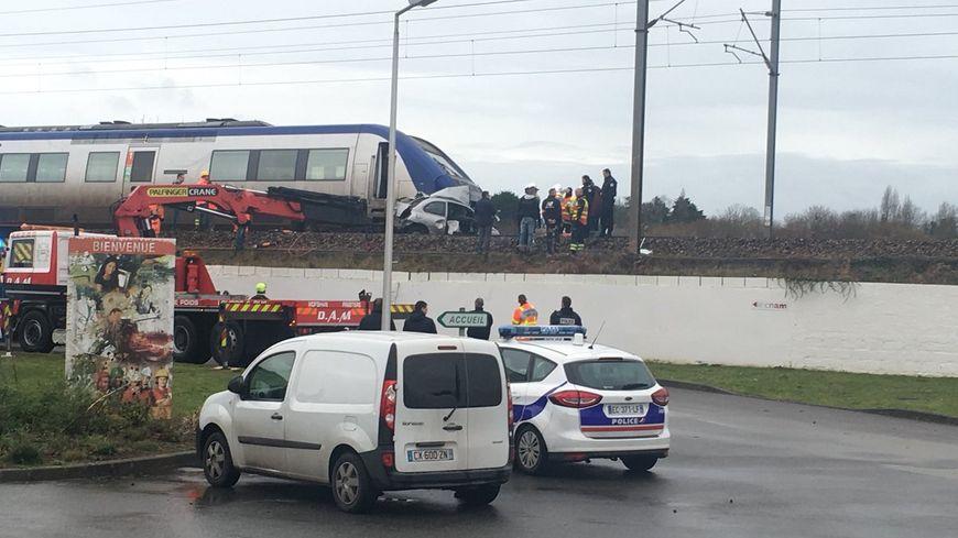 La voiture a été traînée sur plus de 300 mètres