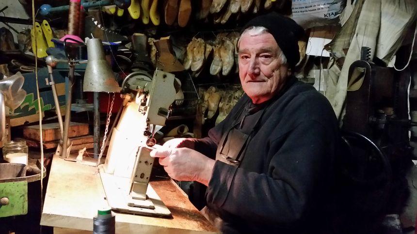 Robert Giroux dans son atelier